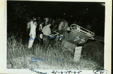 44 CAR ACCIDENT-RACE PHOTO-1965 at Amazon's Sports