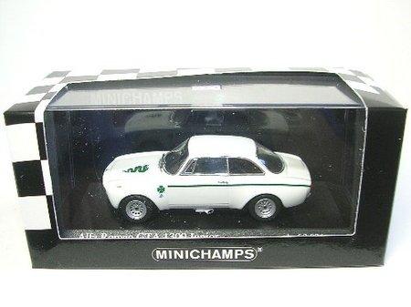 1/43 アルファロメオ GTA 1300 JUNIOR 1970(ホワイト) 400120601