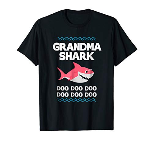 (Grandma Shark T-Shirt Doo Doo Grandpa Mommy Daddy Tee)