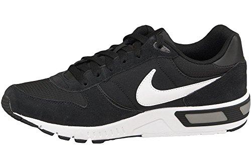 Nike Nightgazer, sneaker homme, Noir et blanc, 42