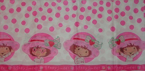 (Strawberry Shortcake Plastic Table Cover (1ct))