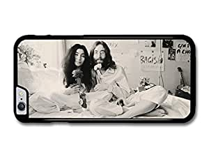 "AMAF ? Accessories John Lennon And Yoko Ono Black and white Sitting on Bed Smiling with Flowers case for iPhone 6 Plus (5.5"")"