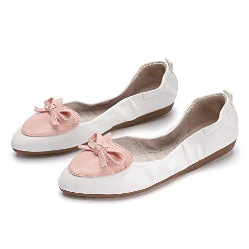 AllhqFashion Damen Ziehen auf Spitz Zehe Niedriger Absatz PU Leder Flache Schuhe Weiß