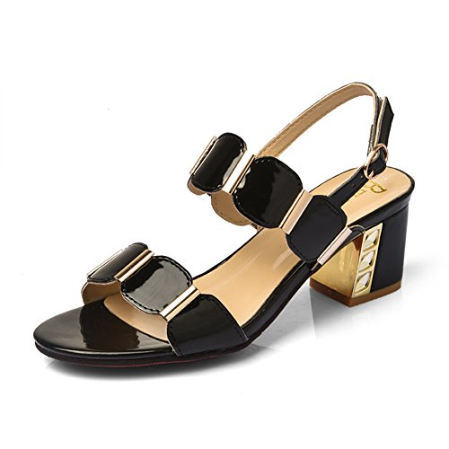 La moda de verano está usando una palabra arrastrar/Señoras con sandalias gruesas C