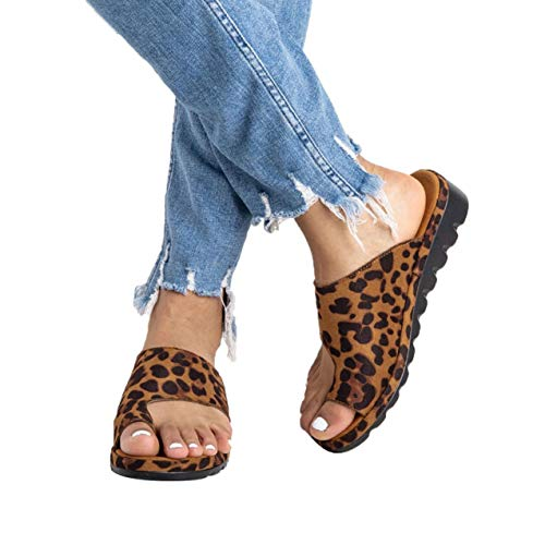 - softome Women's Wedge Slides Sandals Flip Flops Toe Ring Side Cutout Slippers Leopard