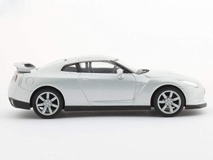 Amazon.com: Nissan GT-R - Coche deportivo japonés (escala 1 ...