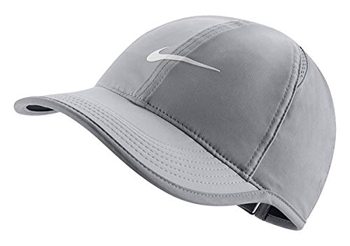 NIKE Women's NikeCourt AeroBill Featherlight Tennis Cap Atmosphere Grey/Black/White 1-Size (Atmosphere Grey/Black/White)