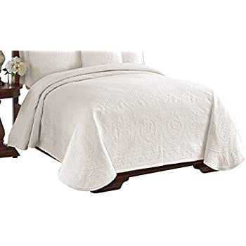 Historic Charleston 13991BEDDKNGIVY King Charles Matelasse 108 Inch By  96 Inch King Coverlet,