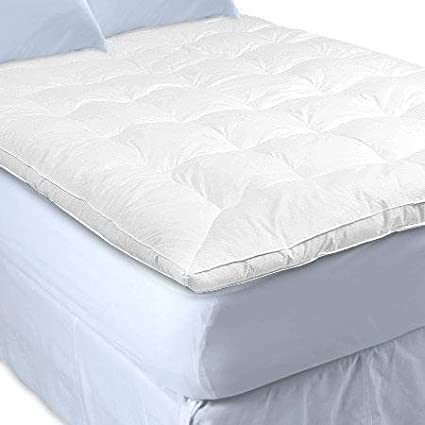 5b7a79c0edaa4 Amazon.com  Sweet Jojo Designs White Goose Feather Topper and Down Baffle  Box Featherbed Mattress Cover Top - Queen Size  Home   Kitchen