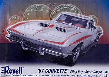 Corvette Stingray Sport Coupe - Revell 1:25 '67 Corvette Sting Ray Sport Coupe 2 'n 1