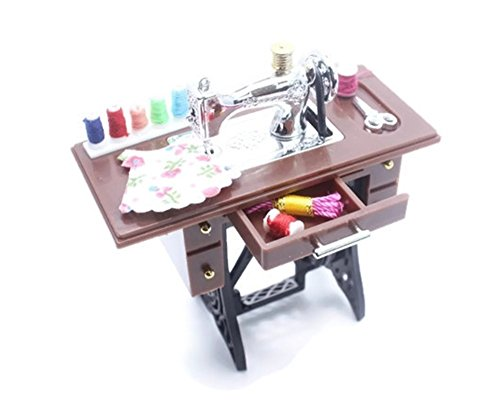 (ChangThai Design Vintage Sewing Machine Dollhouse Miniature Standing Set)