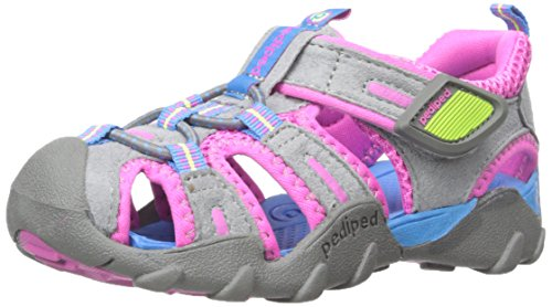 1a18e3900e3e3 11 Best Water Shoes for Toddlers, Babies, & Kids (2019 Reviews)