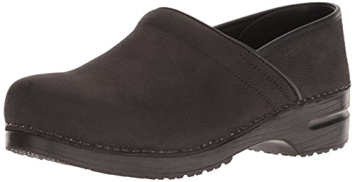 - Sanita Men's Signature Pro. Textured Oil Clog, Black, 44 Medium EU (10-10.5 US)