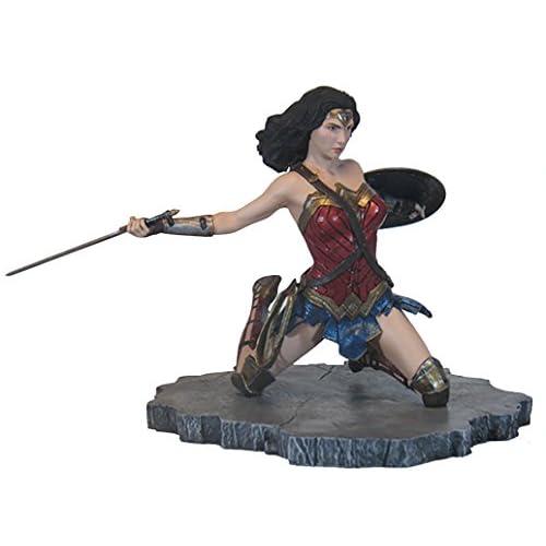 DIAMOND SELECT TOYS DC Gallery: Justice League Movie Wonder Woman PVC Vinyl Figure