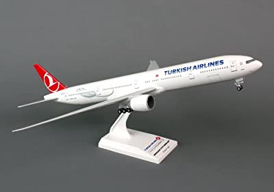 Daron Skymarks Turkish 777-300ER 1/200 Aircraft Model with Gear