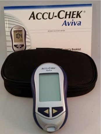 accu-chek-aviva-blood-glucose-meter-case-and-manual-only