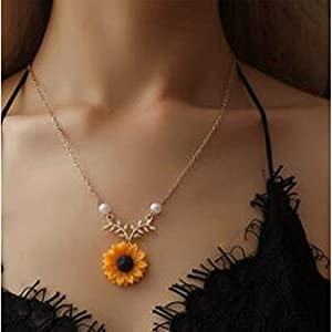 Bracet Sweet Sunflower Pearl Leaf Pendat Necklace Resin Daisy Flower Clavicular Chain Fashion Jewelry for Women (Gold)