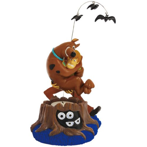 Westland Giftware Tealight Holder with Tealight, 6.25-Inch Tall, Scared Scooby-Doo and Shaggy Hannas Candle Set