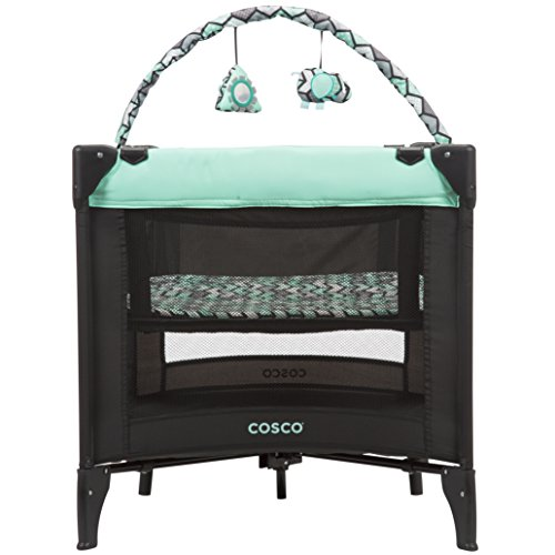 - Cosco Funsport Deluxe Play Yard, Spritz