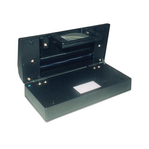 SAFE Nr. 1060 SAFE UV MULTI Prüfgerät Kombination von Lupe 2.5 fache Vergrösserung mit 4 Watt UV Auflichtröhre und Weißlicht von unten getrennt zuschaltbar inclusive Batterien - Ideal zum prüfen von Briefmarken Geldscheinprüfer Banknotenprüfer - Für jede Kasse oder den Kassenbereich ein MUß