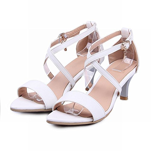 Carolbar Womens Buckle Fashion Elegance Summer Chic Charms Stiletto Mid Heel Sandals White h4COv5U9w
