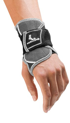 Mueller Sports Medicine HG80 Premium Wrist Brace, Small/Medium, 0.28 ()