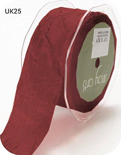 esto es un corte de un rollo, presentado en una tarjeta de lazos de Berties Bows May Arts Borgo/ña de 38 mm de peluche sedoso en una longitud de 2 m