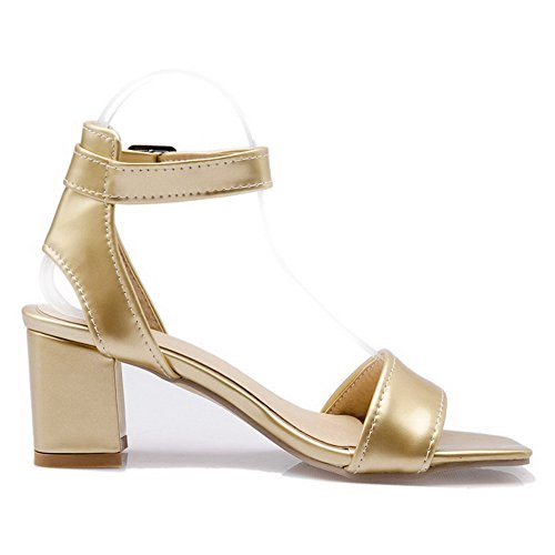 VogueZone009 Mujeres Sólido Hebilla Puntera Abierta Tacón ancho Sandalias de vestir Gold