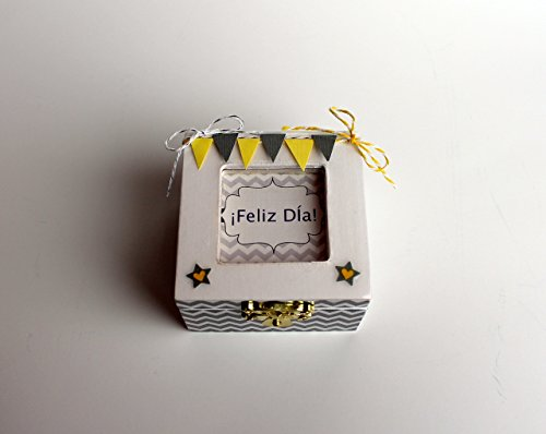 Custom Handmade Pull-Out Announcement Box in Spanish