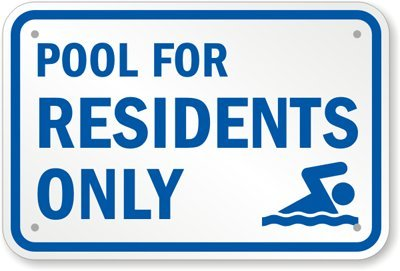 Piscina para residentes sólo (con gráfica) cartel, 18