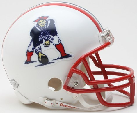 Riddell New England Patriots Mini Replica Throwback Helmet ()