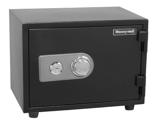 Honeywell 2102 Steel Fire and Security Safe 0.57 Cubic Feet