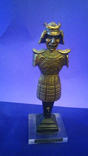 Small Japanese Samurai Warrior Figurine Statue Japonesa XVII (Preowned, base looks glue together)