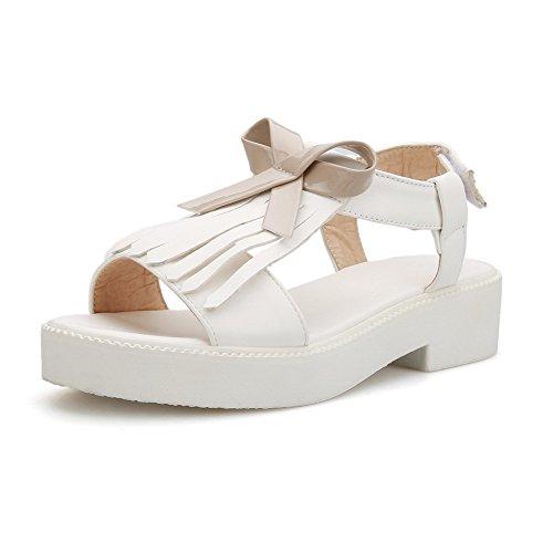 AllhqFashion Damen Niedriger Absatz Weiches Material Gemischte Farbe Schnalle Sandalen Weiß