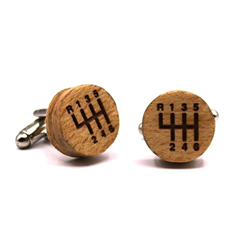 Mechanical Gents Collection - Wooden cufflinks Gear Box. Fashion collection: natural beech wood shirt cufflinks for men, crafted in Spain by Territorial Wood. Wedding & events line. Gear lever engraved design. Original gift