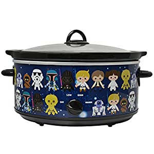 Uncanny Brands Star Wars 7 Quart Slow Cooker- Easy Cooking Across the Galaxy- Kitchen Appliance
