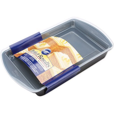 Wilton Perfect Results 13x9 Covered Cake Pan Oblong 2105-6793 (Wilton Covered Cake Pan)