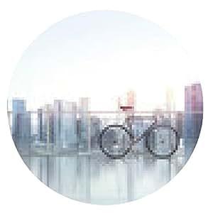 alfombrilla de ratón Hombre de negocios con la bicicleta mira a la ciudad - ronda - 20cm