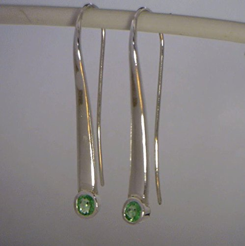 [Green Tsavorite Garnet Handmade Sterling Silver Ladies Long Hook Earrings Pair] (Tsavorite Green Garnet)