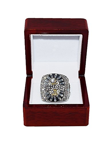 (SAN ANTONIO SPURS (Tim Duncan) 2004-05 NBA FINALS WORLD CHAMPIONS Rare & Collectible High-Quality Replica NBA Basketball Silver Championship Ring with Cherrywood Display Box)