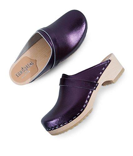 Sandgrens Muli In Legno Di Tacco Basso Svedese Per Donne | Tokyo Metallic Purple