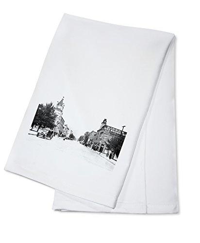 OKSLO Grants Pass, Oregon - Northern View of Sixth Avenue (100% Cotton Kitchen Towel)