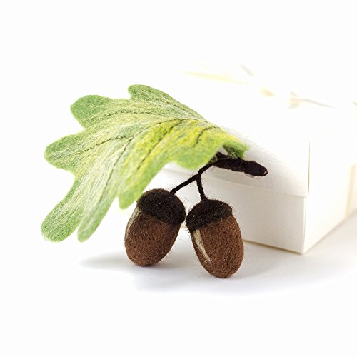 Handcrafted Oak Leaf Brooch Acorn Jewelry Woodland Pin Green leaves jewellery Gifts for nature lovers Present for teacher Christmas Gift idea for Mom