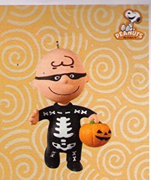 Skele-brating Charlie Brown Halloween Hallmark 2010