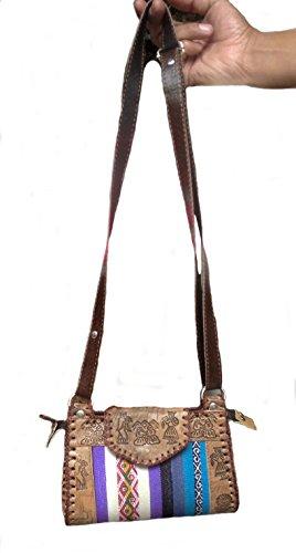Alpacaandmore Handgefertigte Handtasche echt Leder Inka Motive handgeschnitzt 25x17 cm