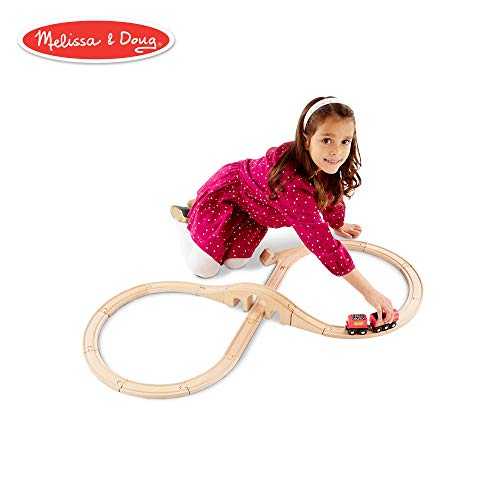 Melissa & Doug Classic Wooden Figure Eight Train Set (22 ()
