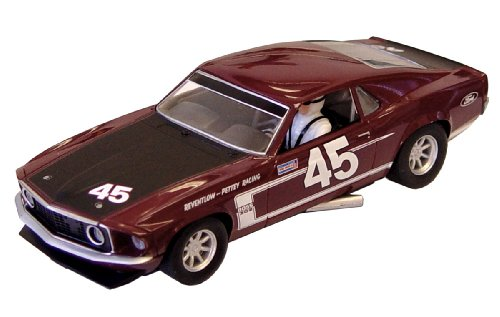 Scalextric C3424 Ford Mustang 1969 Boss 302 Slot Car, 1:32 Scale (Vintage Slot Cars)