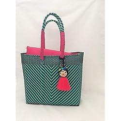 Bolsa Artesanal Mexicana tejida a mano incluye funda para iPad, en colores verde agua, café, rosa mexicano y adorno de frida kahlo