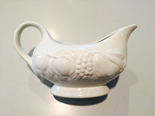 Nature Handcrafted Collection - White gravy boat