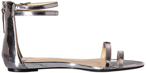 Nine West Onque sintético vestido de la sandalia Plateado